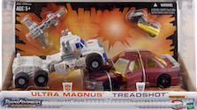 Transformers Universe Ultra Magnus vs. Treadshot (multi-store Exclusive)